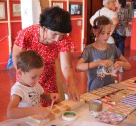 En famille au Musée International des Arts Modestes de Sète