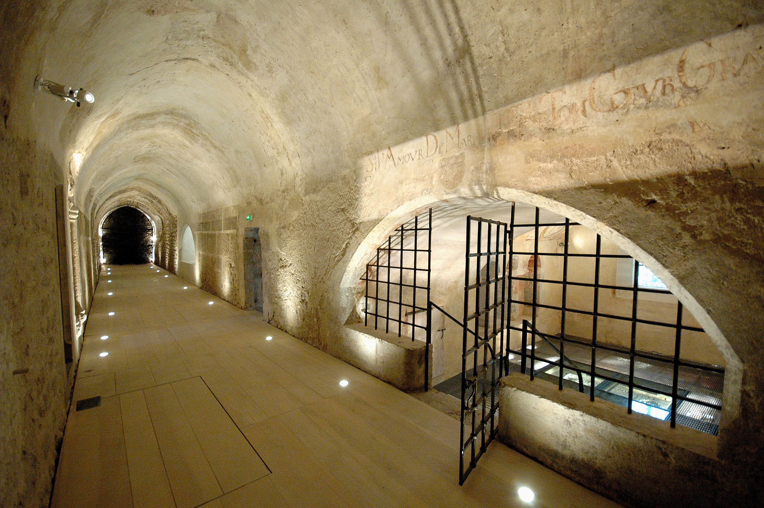 le mus e de l abbaye saint claude m m 39 art. Black Bedroom Furniture Sets. Home Design Ideas