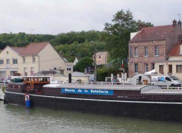 Bateau, sur l'eau…. la Cité des Bateliers