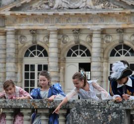 Une visite royale en famille au château de Vaux-le-Vicomte